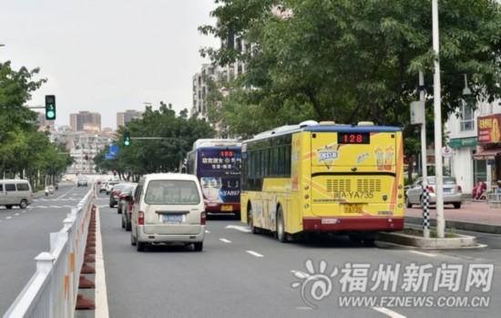 改道方案公布一年多 公交车至今仍按原线路行驶