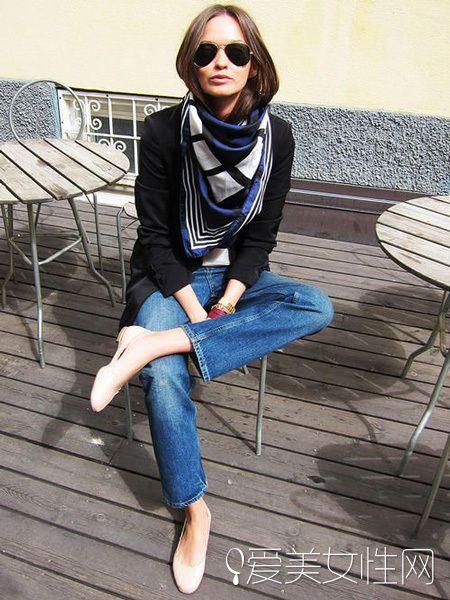 学会丝巾的围法 做个秋天丝巾搭配达人