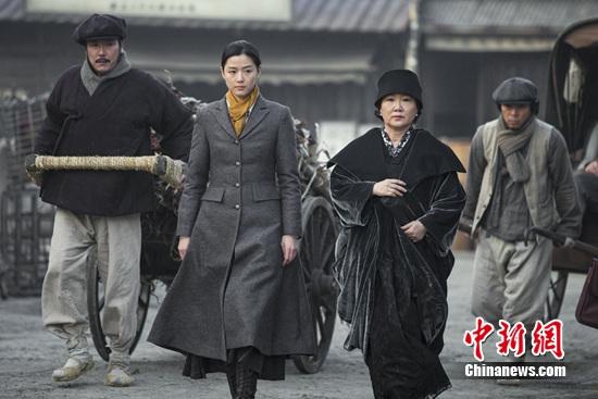 韩国电影《暗杀》中国元素多全智贤一人分饰两角