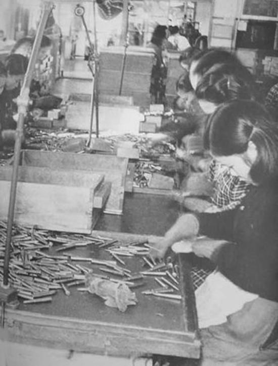 侵略者的后盾!揭秘二战时期日本女人私生活