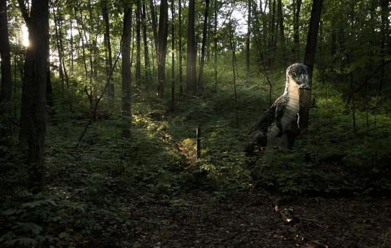 走进现实版侏罗纪公园:人造恐龙潜伏幽暗森林