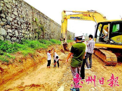 黄排河综合整治工程施工现场。