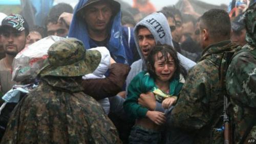 希臘海域難民船沉沒致逾30人溺斃包括嬰兒孩童