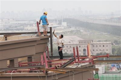 天津港爆炸1个月:多户民居遭翻动 财物丢失