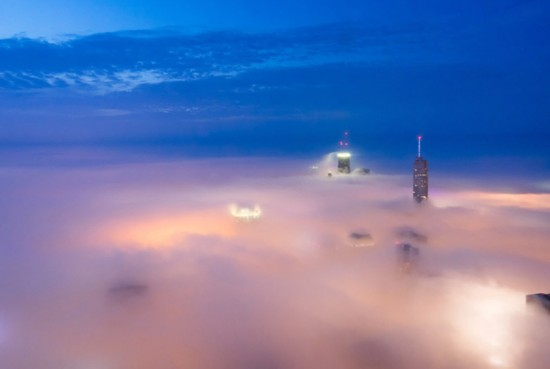 美业余摄影师拍云雾芝加哥 惊如仙境
