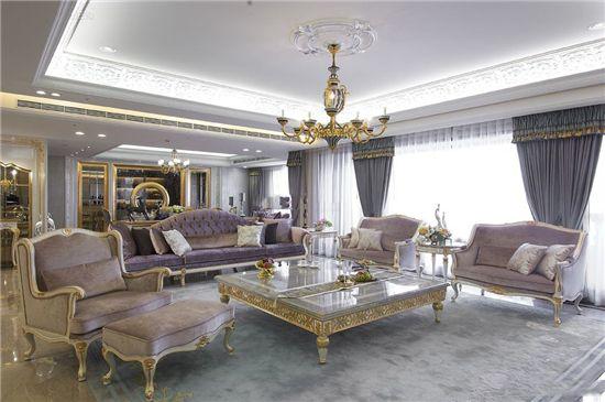 迷死80后的欧式客厅装修效果图