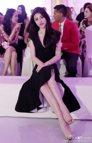 刘翔前妻晒美照穿黑色礼服长发披肩(图)