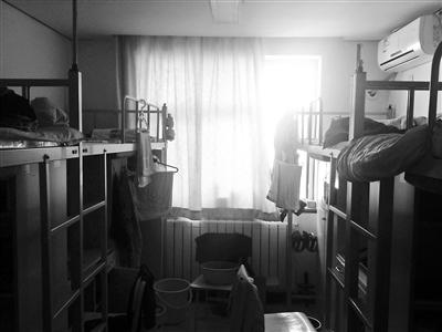 北大本校研究生宿舍勺园4号楼 摄影/李文