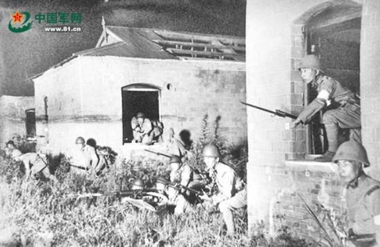 九一八事变珍贵照:日军杀进中国军营
