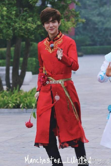 奔跑吧兄弟第三季洛阳站跑男造型曝光 鹿晗红