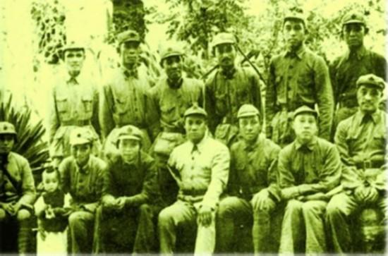 贺龙的妻子_贺龙的五任妻子和子女今何在三女儿系少将