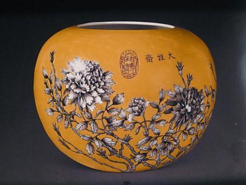 慈禧御用花卉纹缸