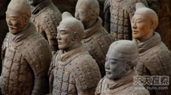 千年谜团:秦陵兵马俑为何都不戴头盔