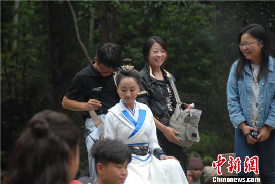 杨蓉饰演薛采月 詹坚宇 摄