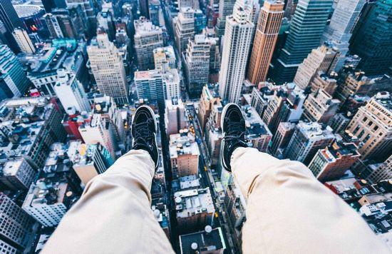 美少年纽约高楼顶部俯拍窒息美景
