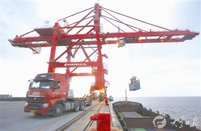 1-8月大丰港集装箱吞吐量同比增长121.88%