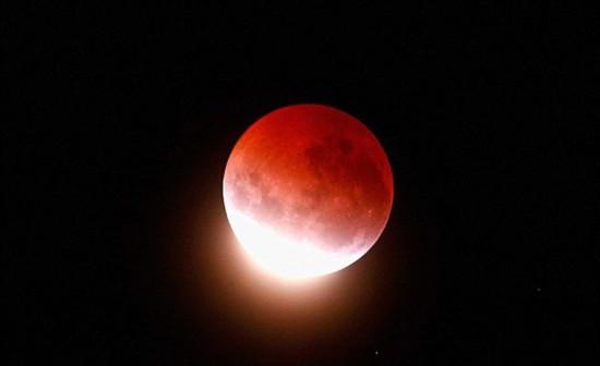 中秋将迎30多年不遇奇观:超级红月巧遇月全食(组图)