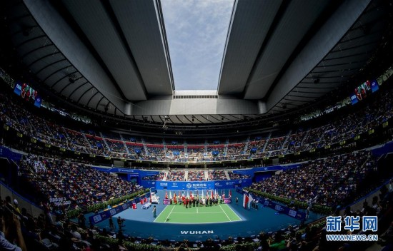 武汉网球公开赛李娜_李娜出席武汉网球公开赛旋风球馆开馆仪式图
