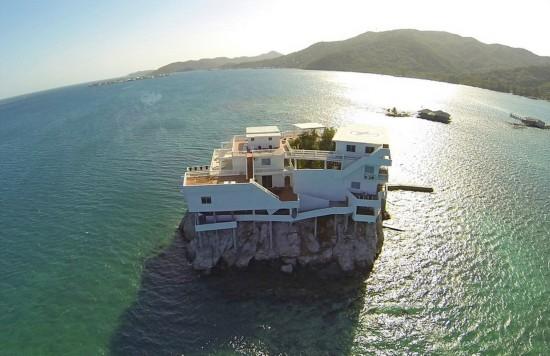 洪都拉斯近海现岩石度假别墅令人向往