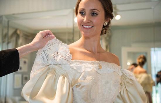 """美新娘婚礼上将穿有120年历史""""传家宝""""婚纱"""