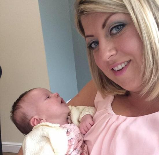 英母亲警告亲吻新生儿或使其患上致命唇疱疹【2】