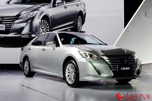 一汽丰田全新皇冠推出2.5l新车型 售25.48万元起