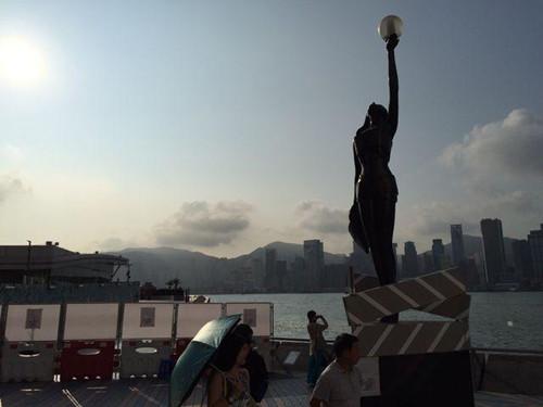 香港星光大道今起关闭3年改建铜像手印暂搬至附近