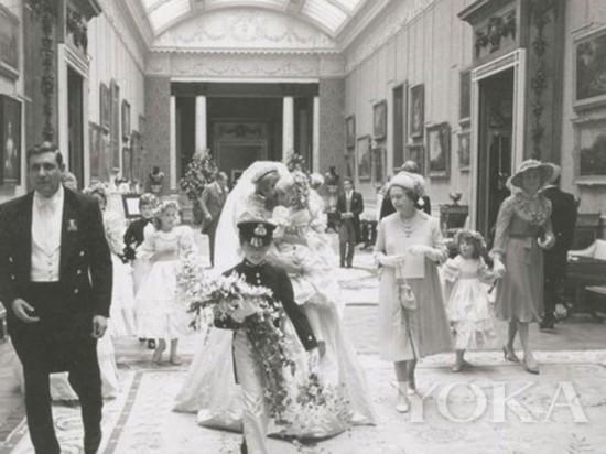 戴安娜王妃大婚私照