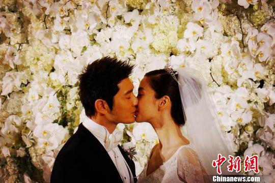 黄晓明Baby上海大婚称无暇蜜月隔天将投入工作