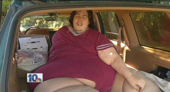 美体重逾350公斤男子因贪食被赶出院