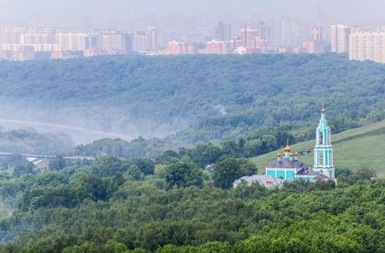 俄罗斯小伙156米高楼边缘惊险拍美景【29】