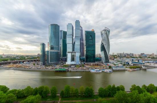 俄罗斯小伙156米高楼边缘惊险拍美景【27】