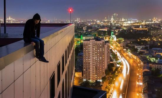 俄罗斯小伙156米高楼边缘惊险拍美景【14】