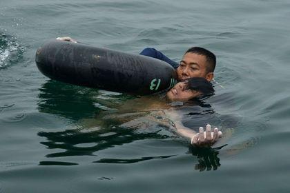 男子遭遇坠机幸运逃生漂浮2天后全身赤裸获救(图)