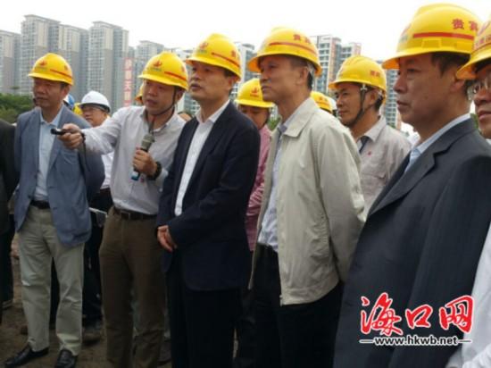孙新阳:加快完善城市功能 提升海口城市品位