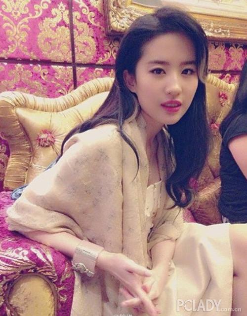晒刘涛胡歌吻照 盘点胡歌搭档过的美女明星