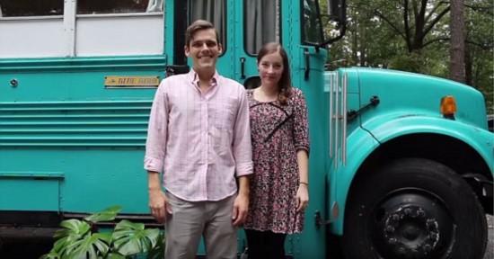 美年轻夫妇将废旧校车改为温馨小屋【5】