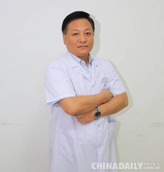 侯广军:国内首创自体脐带再造肚皮