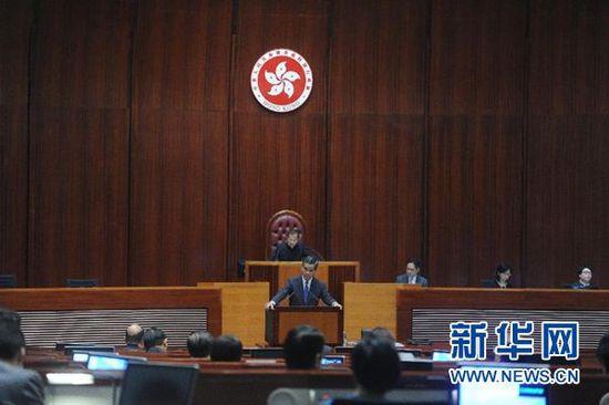 梁振英:香港经济环境理想但不能掉以轻心