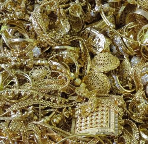 英国当局缴获150公斤走私黄金饰品将公开拍卖