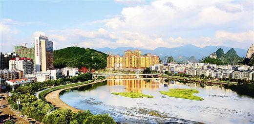 荔浦创立全国绿募化模范县纪实:丛林进县城 村儿子园