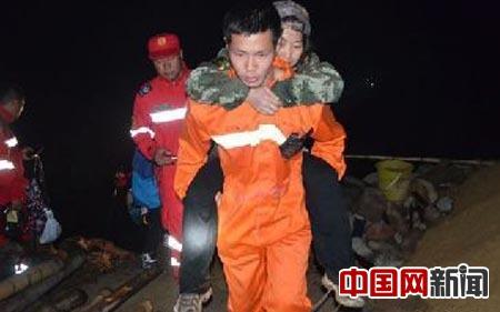 农家乐老板报警9名驴友失联 救援人员找回10人