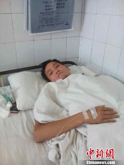 河南郏县一教师遭学生殴打病床上仍忧心教育