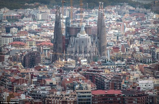 欧洲最高建筑 西班牙建筑物圣家堂