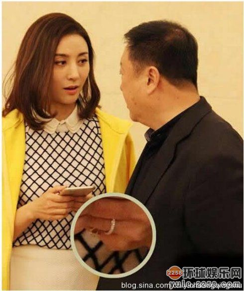尤小刚邬倩倩离婚!盘点抛弃黄脸婆娶嫩妹做老婆的10大导演