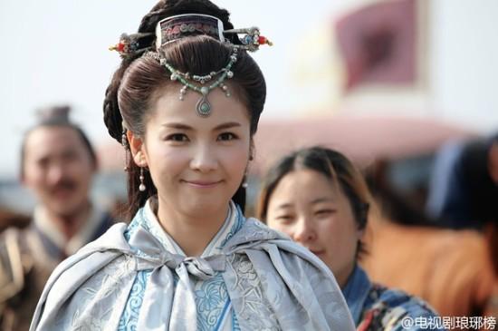 丽颖刘涛霍建华胡歌 2015年大热剧的帅哥美女 3.刘涛 刘涛在2015央