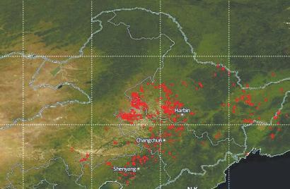 11月2日、3日,长春遭遇严重雾霾天气,这是2日东北平原秸秆燃烧火点分布情况中科院东北地理所副研究员陈卫卫供图