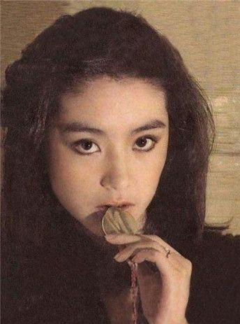 林青霞61岁生日 女神19岁校服照曝光 美艳迷倒众生(图图片