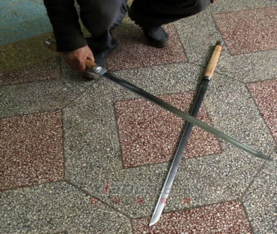 至县父子发型锻唐刀刀未开刃可砍断胳膊粗星光三国铁匠小树qq明月图片