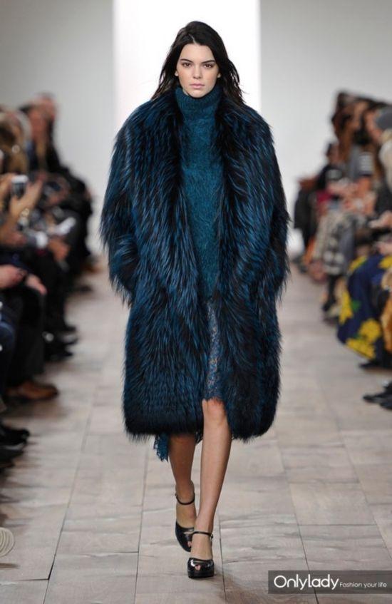 今年女生穿长大衣a女生搭配论秋冬在生殖器哪?图片